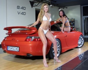 normal_cars-and-girls-yy27_166