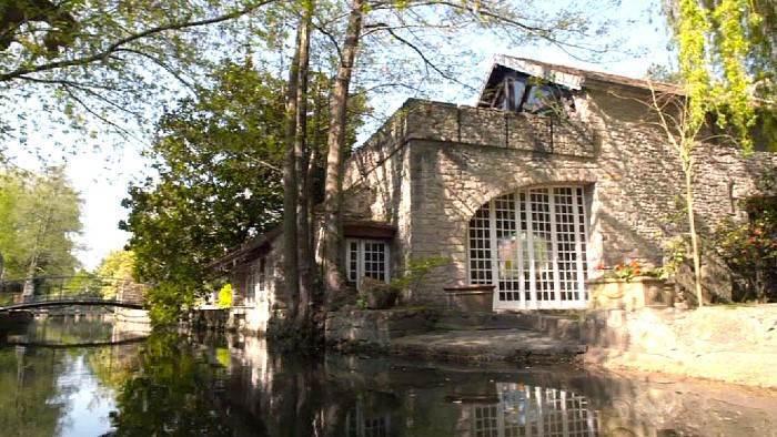 Le moulin de Dannemois, demeure de Claude François